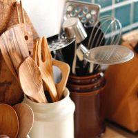 使いやすいシステムキッチンを目指そう。便利な収納アイデア実例をご紹介