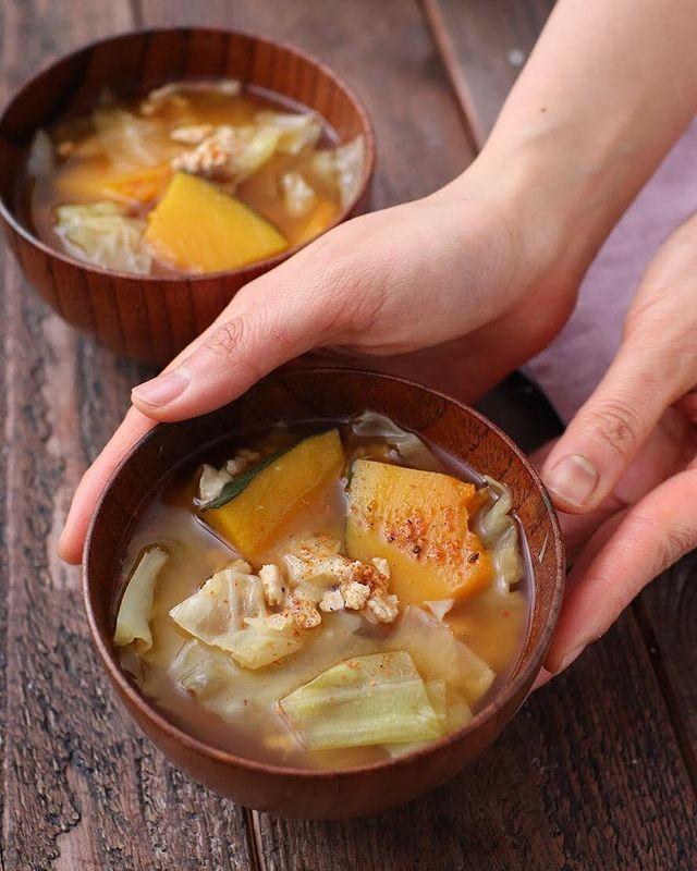 鶏そぼろとかぼちゃの味噌汁