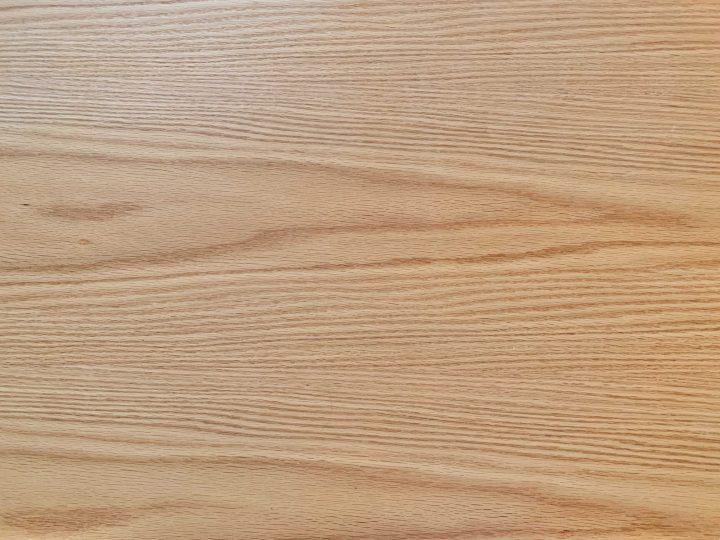 北欧風デザインのダイニングテーブル2