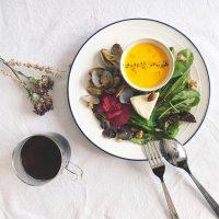 《必見》朝ごはんの定番おかずレシピ16選。和〜洋まで一日の始まりを美味しく始めよう