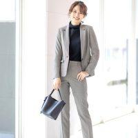 オフィスカジュアルコーデの最新記事まとめ。着こなしに悩む大人女性必見