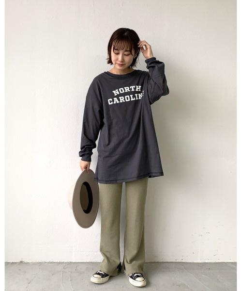 グレーリバーシブルTシャツ×パンツコーデ