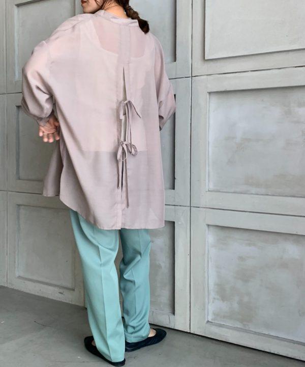 【moment+】スタンドカラーバックスリットシアーシャツ