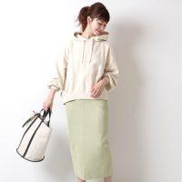 タイトスカートで大人っぽい春ファッション。おすすめスタイル特集