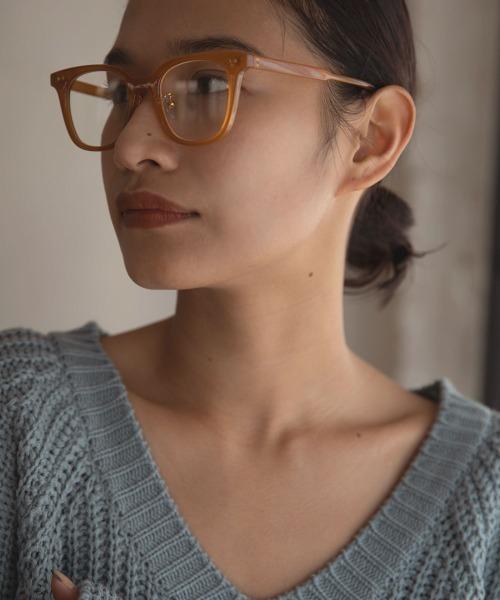 インパクトがありながらも馴染みやすいメガネ