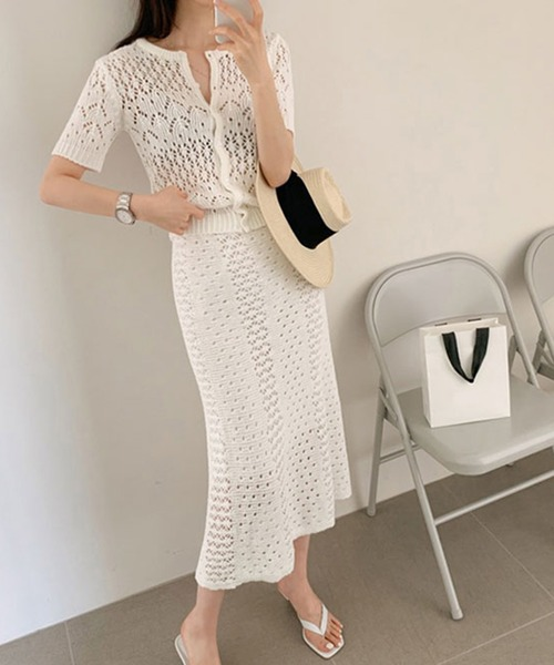 白透かし編みカーディガン×スカート