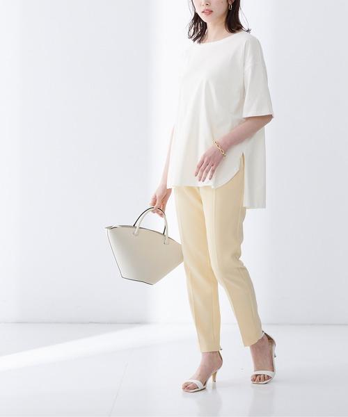 きれいめデザインのロングTシャツコーデ
