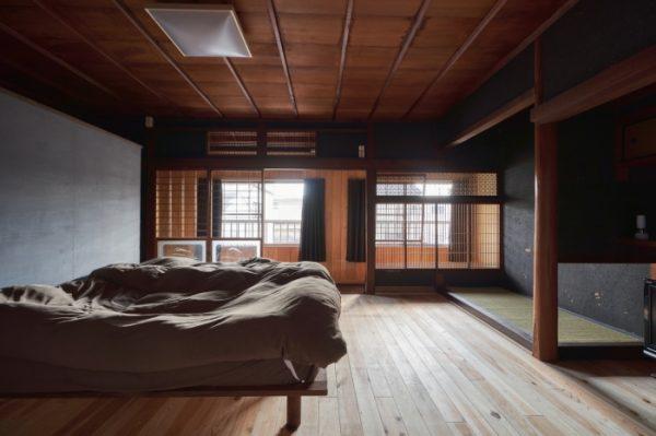 古民家をリノベした和風インテリアが素敵な寝室