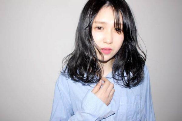 ふんわりパーマ×黒髪のセミロング