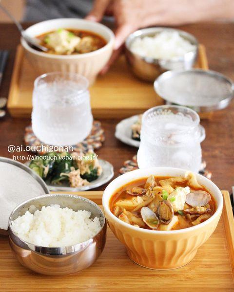 あさり、ネギ、スンドゥブチゲ、スープ、豆腐。