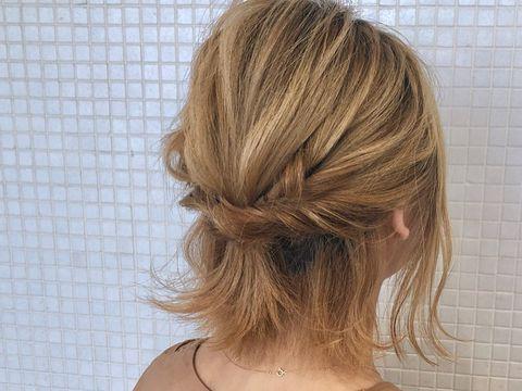 大人かわいい雰囲気のまとめ髪