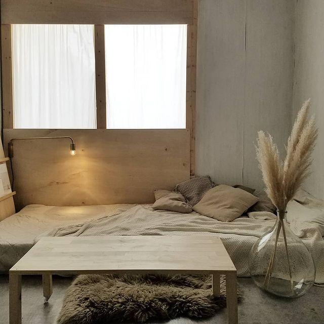 シックな韓国インテリアの寝室