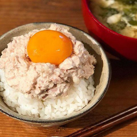簡単変わり種レシピ!ツナマヨ天かす丼