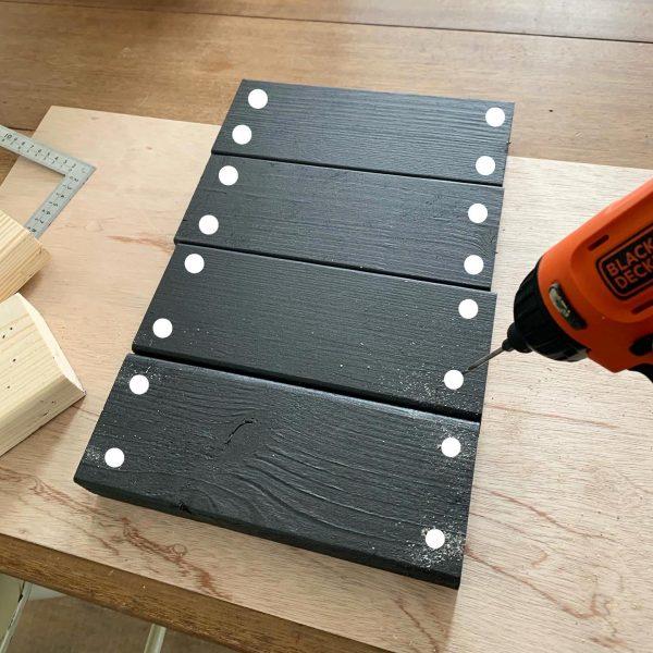 横幅サイズを変えられるテレビボードの作り方5
