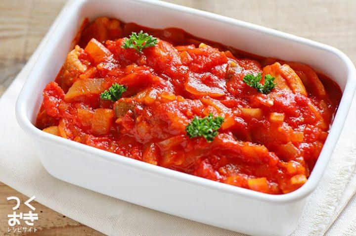 ワインに合う!人気レシピのチキンのトマト煮込み