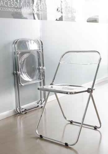 韓国で人気のクリア素材の素敵な家具