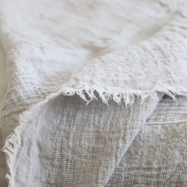 軽やかで透け感のある織り─ヴァーグ