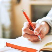 大人女性に人気のおしゃれボールペン15選。ビジネスシーンにおすすめのデザインも