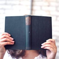 大人こそ楽しめるおすすめの図鑑20選。人気の本をジャンル別にまとめました