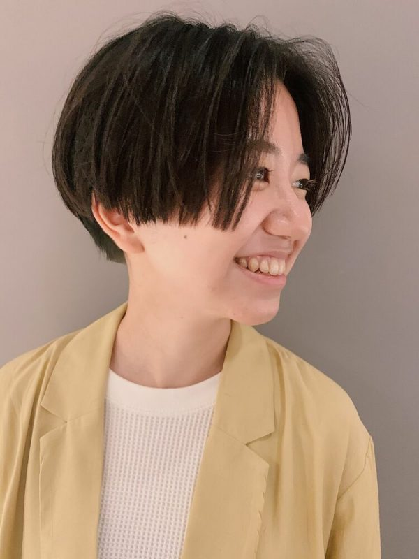 ぱっつん×前髪なしショートヘア