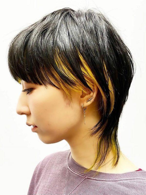 ハンサムショート×インナーカラーの髪型8