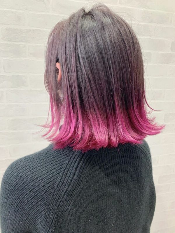 ミディアムボブ×ベリーピンク裾カラー