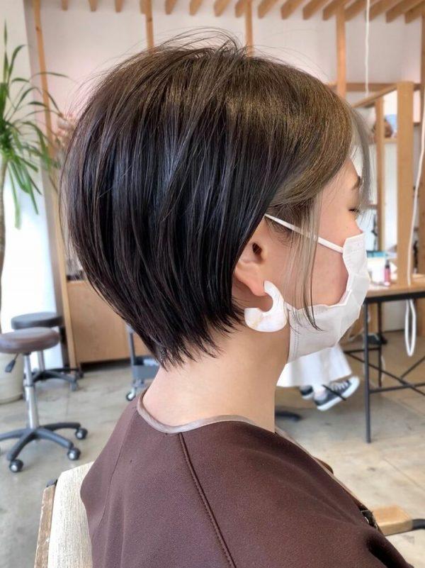 ハンサムショート×インナーカラーの髪型15