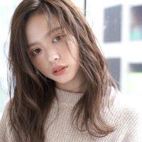 韓国風ロング×前髪なしスタイルで垢抜ける。最新トレンドを抑えた髪型まとめ