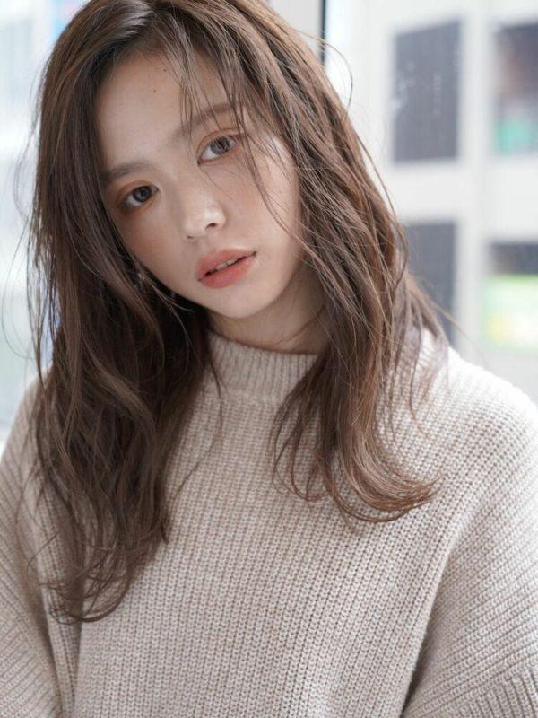 ラフウェーブの前髪なし韓国風ロング