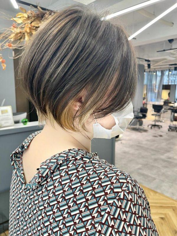 ハンサムショート×インナーカラーの髪型9