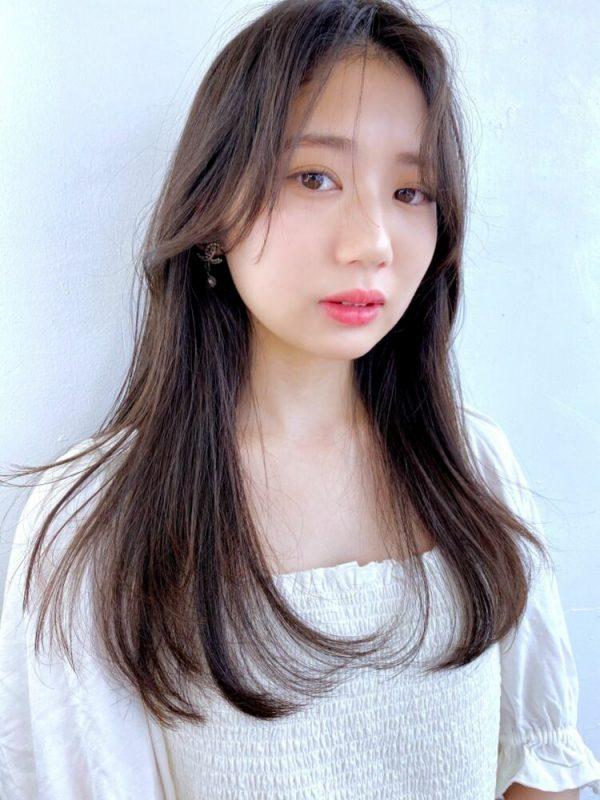 サイドシースルーの前髪なし韓国風ロング