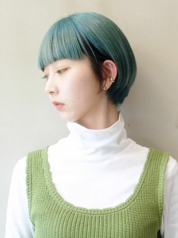 ハンサムショート×インナーカラーの髪型4