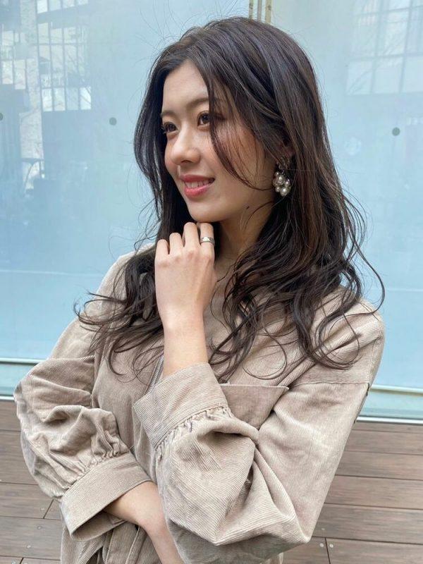 チョコレートブラウンの前髪なし韓国風ロング