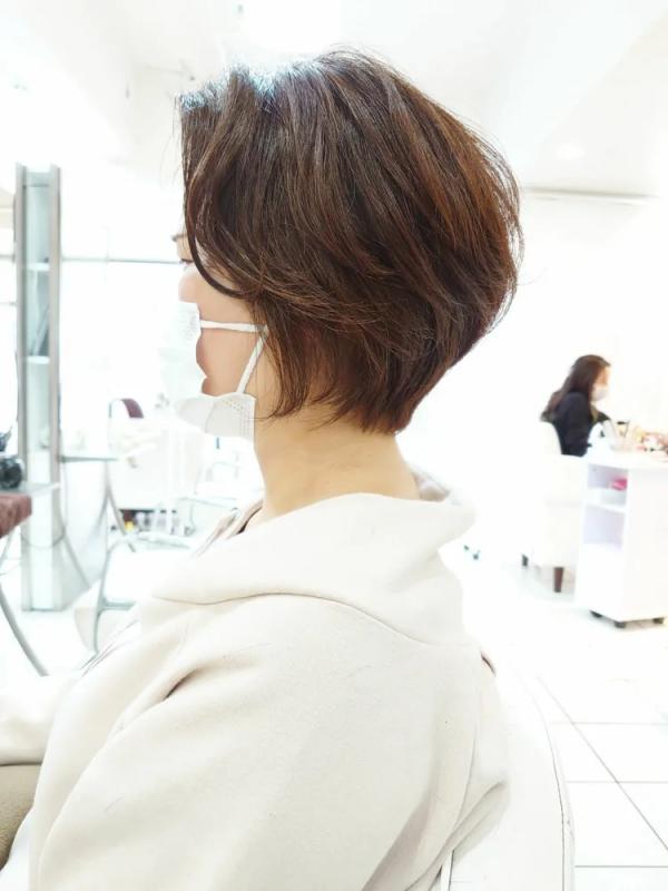 くせを生かす前髪なしマッシュショート