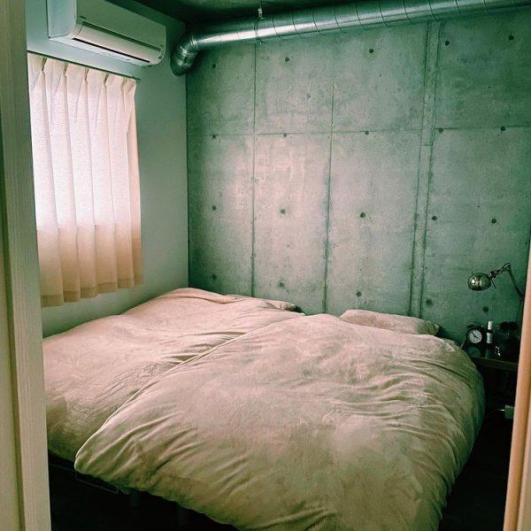 シンプルイズベストな寝室スペース