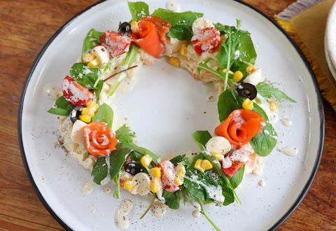 おしゃれで美しいポテサラリースサラダ