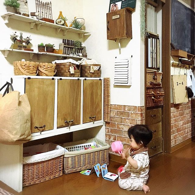 カラーボックスリメイクで子供用品収納DIY