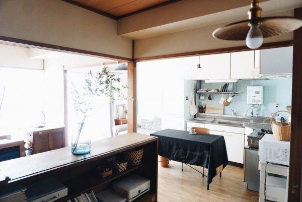 襖を取り除いたキッチンインテリア