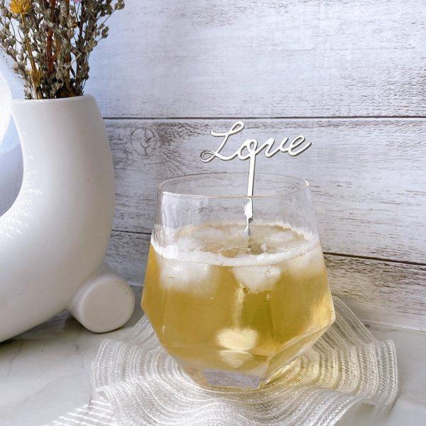 珍しいデザインの六角グラス