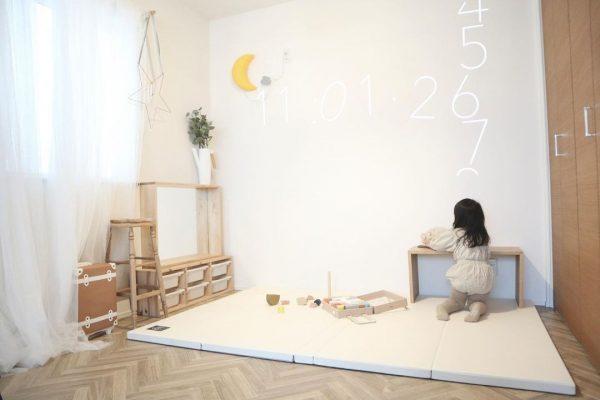 プレイマットを敷く子供部屋レイアウト