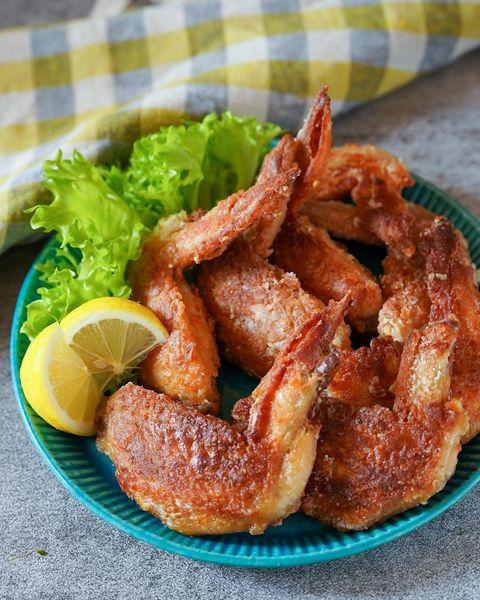 パーティーの人気鶏肉レシピ:手羽先揚げ焼き