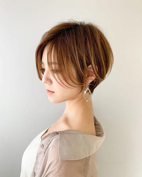 サイドで簡単にカバーできるショートの髪型