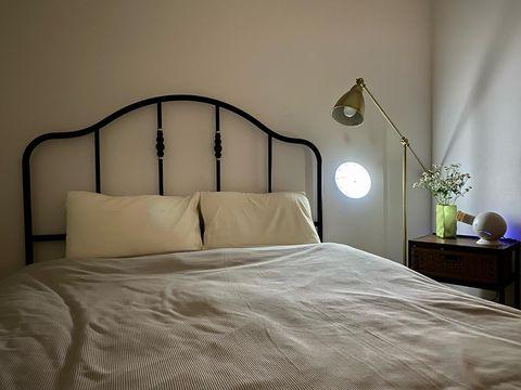フレームがおしゃれなベッドのサグストゥーア