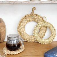 昔ながらのシンプルなデザインの「鍋敷き」。熟練の技をいつもの食卓に!