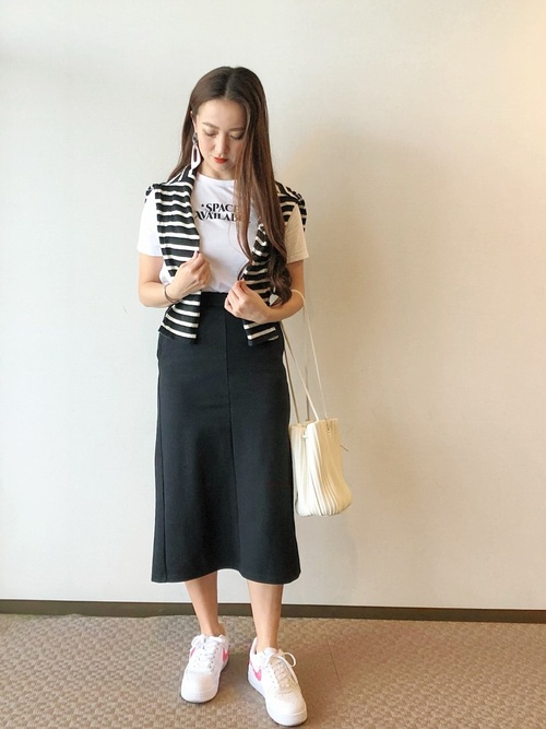 GU黒スカート
