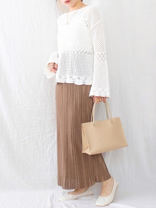 スカラップセーター×プリーツスカート