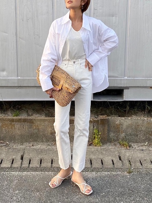 ZARAのホワイトシャツ