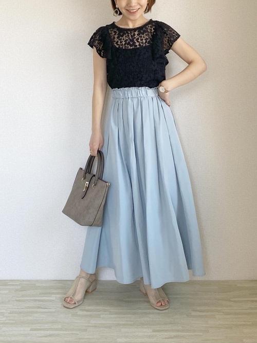 GUのタフタフレアロングスカート
