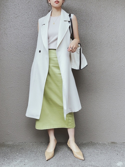 GUのグリーンのナローミディスカート