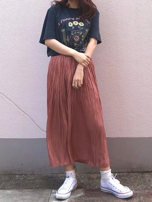 ZARAのサテンプリーツロングスカート